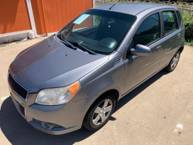2011 Medium Gray /Charcoal Cloth Inter Chevrolet Aveo5 LS (KL1TD6DE3BB) with an 1.6L L4 DOHC 16V engine, located at 11700 Garland Rd., Dallas, TX, 75218, (214) 321-6450, 32.852482, -96.678986 - Photo #1