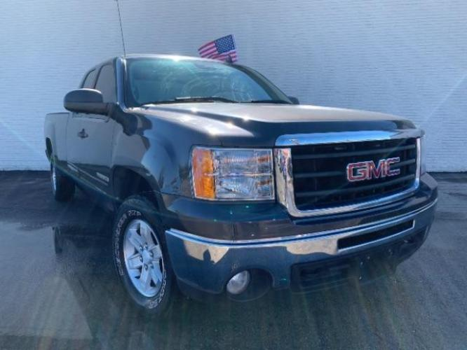 2011 Gray Green Metallic GMC Sierra 1500 SLE Ext. Cab 4WD (1GTR2VE0XBZ) with an 5.3L V8 OHV 16V FFV engine, 6-Speed Automatic transmission, located at 11700 Garland Rd., Dallas, TX, 75218, (214) 321-6450, 32.852482, -96.678986 - Photo #0